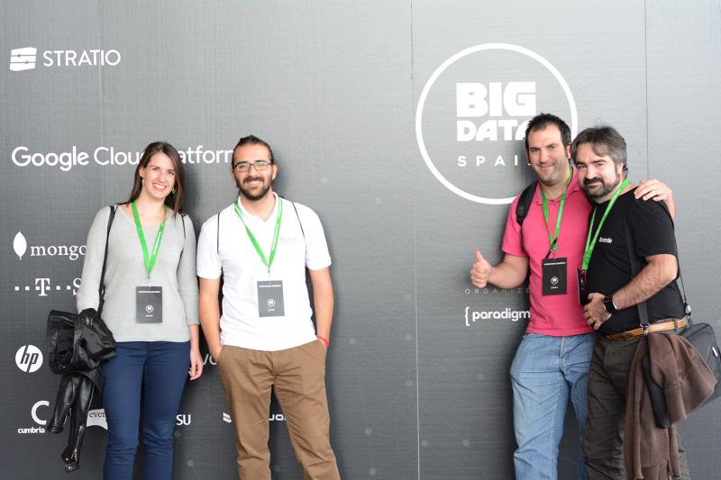 De izquierda a derecha: Esther Lozano, Ari Handler, Alberto Moratilla y David Gómez, consultores tecnológicos de Autentia.