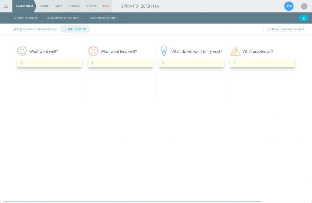 Imagen de como se vería nuestra retro una vez configurada, mostrnado los temas en columnas para que los participantes puedan añadir puntos en ellos