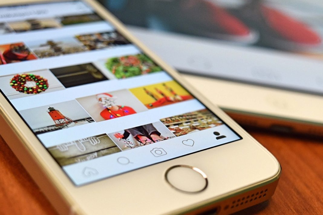 Instagram infinite scroll example Angular