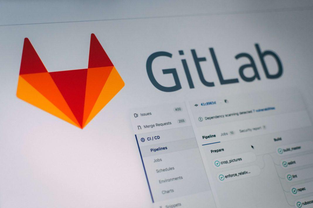 Detalle del logotipo en la web de gitlab.com