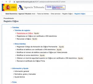 Captura de pantalla de la página de la agencia tributaria en la que puede verse una lista de opciones, entre la cuales está señalada Registrarse en Cl@ve
