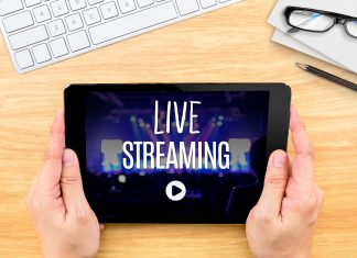 "Tablet con texto ""live streaming"""
