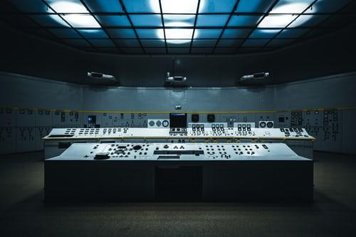 imagen de cuadro de mandos de una base militar